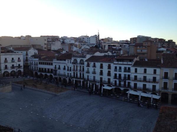Plaza Mayor (photo cred: Alec Mortensen)